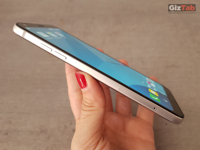 LG Q6 detalles botones volumen