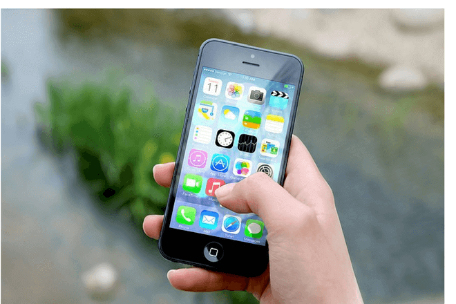 Niño bloquea el iPhone por más de 47 años
