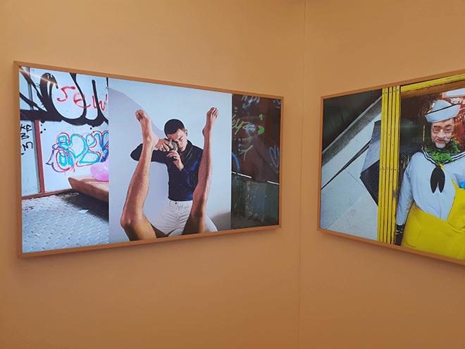 La exposición presenta más de 70 imágenes en los televisores Samsung The Frame