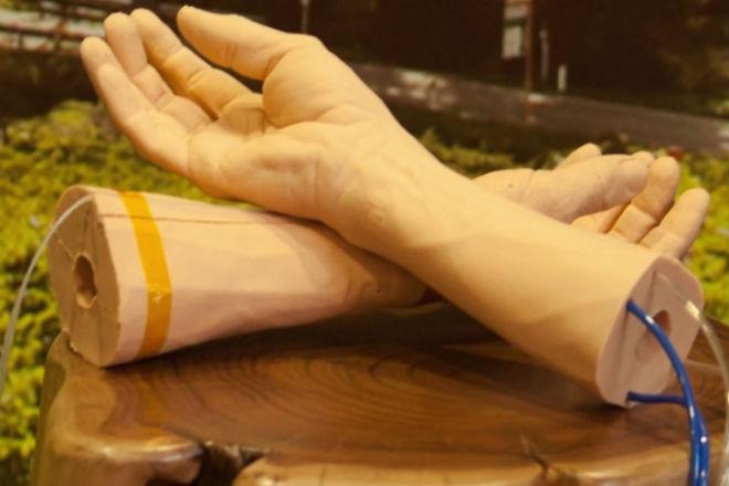 Google crea piel sintética para probar wearable que detecta el cáncer