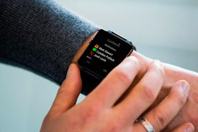 Estos dispositivos basan su función en monitorear el estilo de vida de la persona –desde las distancias recorridas a pie hasta sus ciclos de descanso-