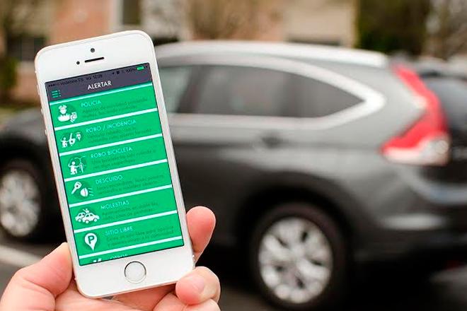 Wazypark también alerta incidentes sobre el coche aparcado