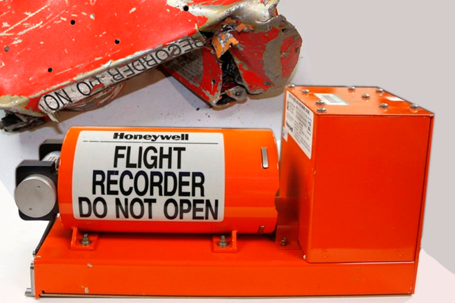 Cajas negras de avión: Lo que debes saber de estos testigos a toda prueba