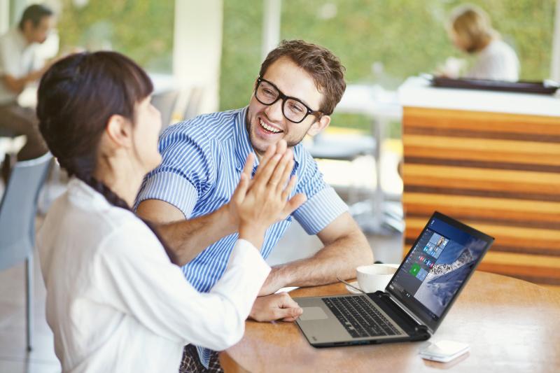 Toshiba presenta nuevos portátiles, rediseñados y optimizados para Windows 10