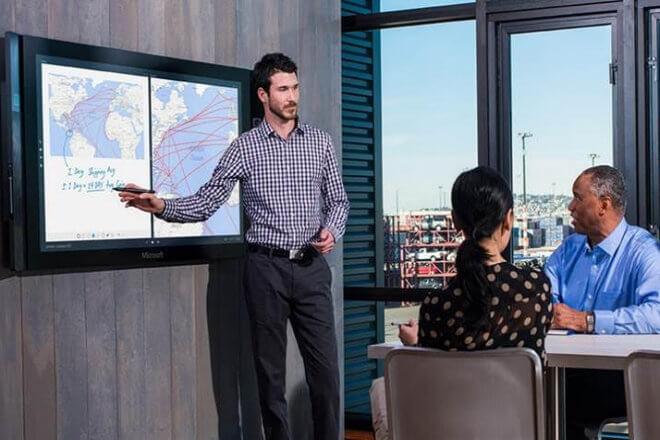 Microsoft Surface Hub estará disponible para su reserva a partir de julio