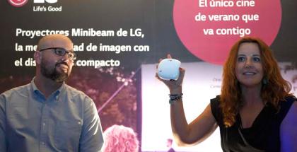 LG revela su nueva gama de proyectores portátiles