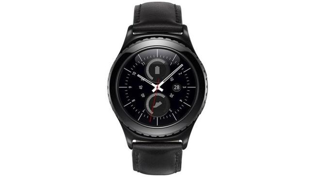 Samsung Gear S2 classic dirigido a los usuarios que optan por un diseño de reloj tradicional, con un elegante acabado en negro, combinado con una correa de cuero.