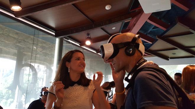 Los usuarios del museo podrán así vivir innovadoras experiencias en el ámbito de la realidad virtual, gracias a Samsung Gear VR, o disfrutar de la realidad aumentada y de los contenidos interactivos para complementar la visita