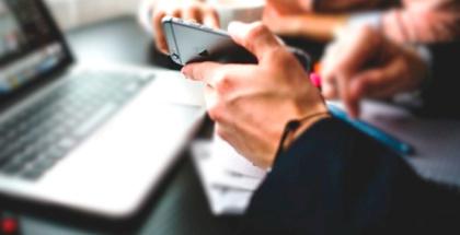 Internautas en España le sacan partido a su smartphone en todo momento: IAB Spain