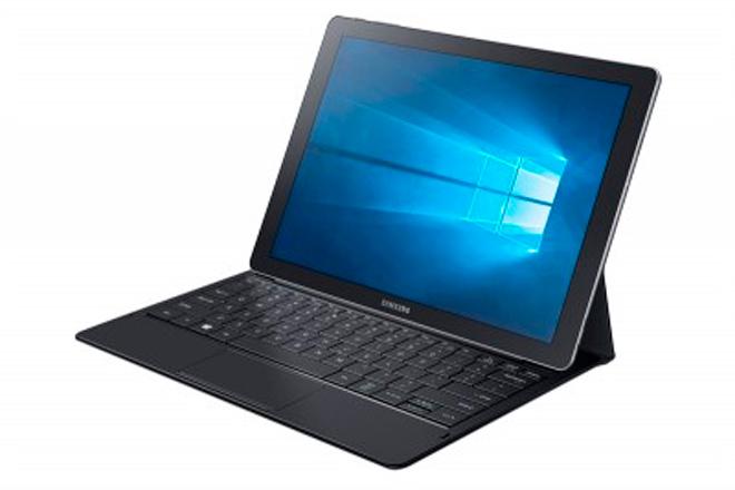 Samsung Galaxy TabPro S Consiguió más de 10 galardones, incluyendo el premio Top Tech of CES de Digital Trends, el premio Best of CES de TechRadar, la posición de finalista en el Best of CES de Engadget, el premio Best of CES de PCMag en la categoría de tablets, y el premio Best of CES de TechnoBuffalo.