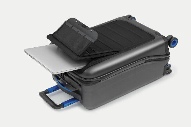 La maleta inteligente Bluesmart se conecta al móvil para que viajar sea más fácil