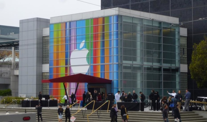 Apple realiza auditoria ante polémica con estudiantes chinos