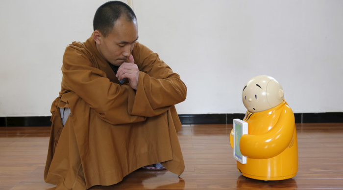Xian´er, el robot que enseña budismo a la generación digital