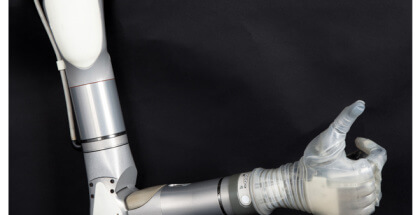 brazo biónico inspirado en Star Wars