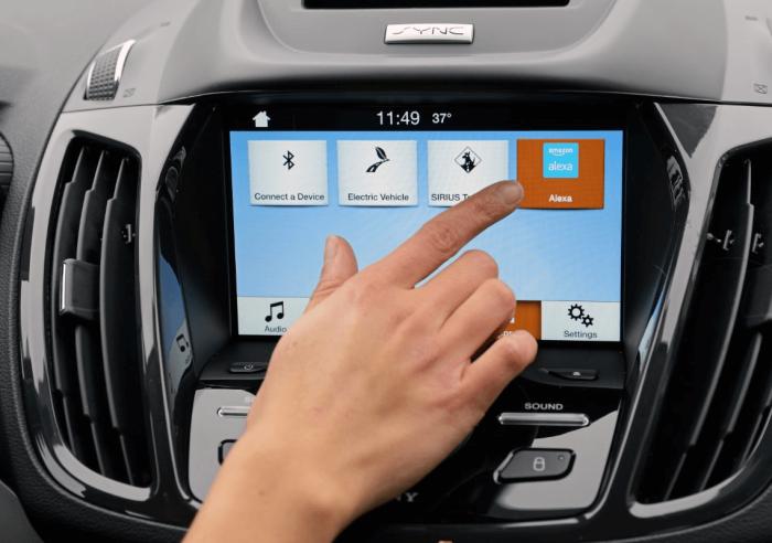 Alexa, el asistente virtual de Amazon, se sube a los coches de Ford