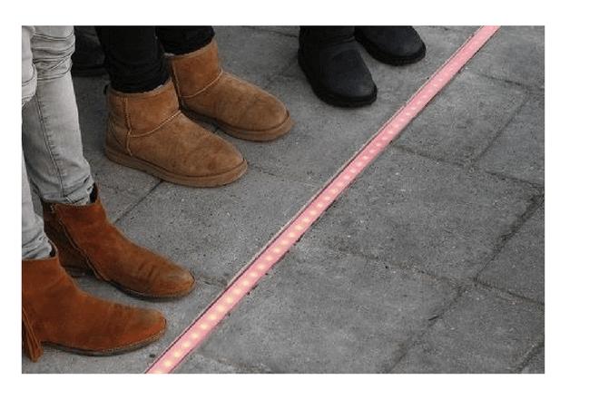 Países Bajos coloca semáforos en el suelo
