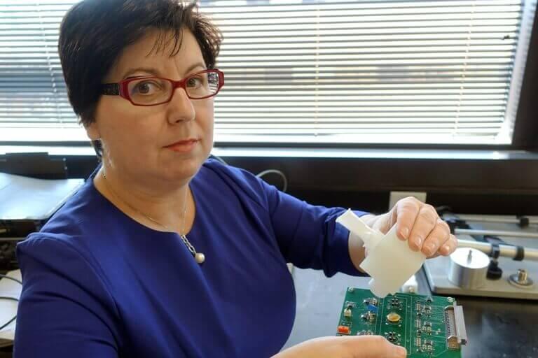 Dispositivo que puede diagnosticar la gripe a través del aliento