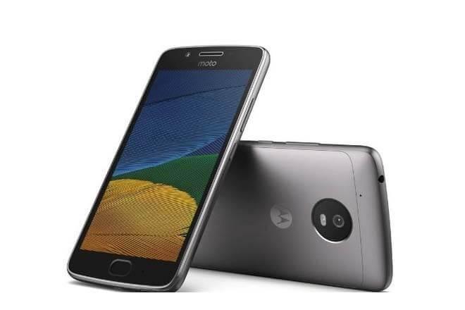 Pantalla, cámara y batería: Lo que buscamos los usuarios, según Motorola