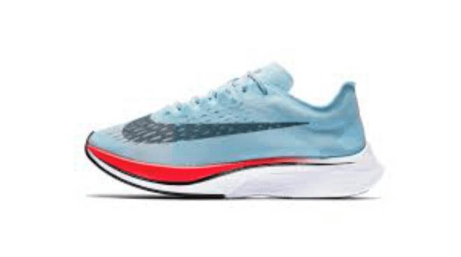 Corre eficientemente con estas zapatillas de Nike