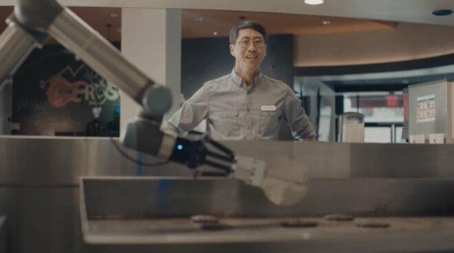 Flippy, el robot experto en hacer hamburguesas