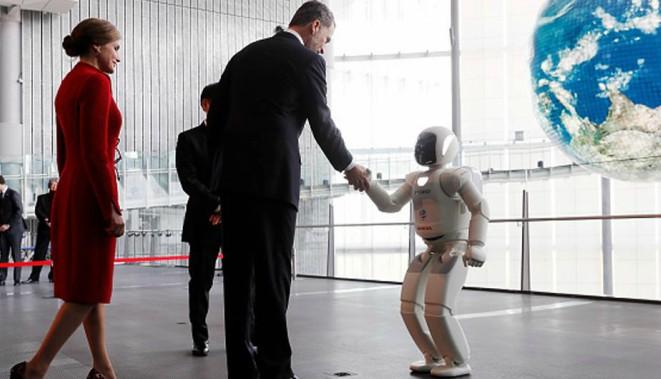 Crean un robot que reconoce emociones