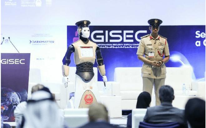 Dubai presenta a Robocop, el robot policía que combatirá el crimen