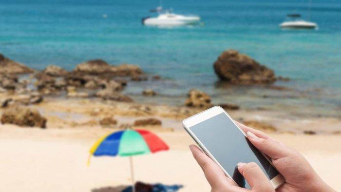 Claves para comprar el mejor móvil de verano