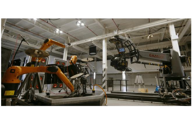 Estos robots con mucho ritmo ya usan instrumentos musicales y este videoclip es la prueba