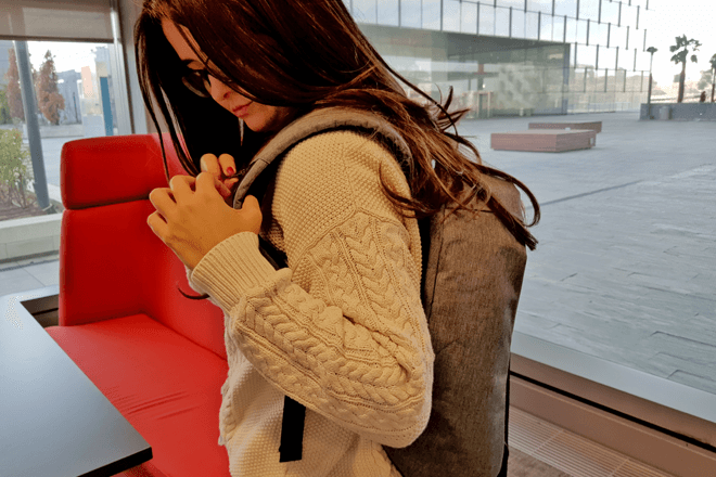 Una mochila antirrobo sin cremalleras y con USB: La hemos probado