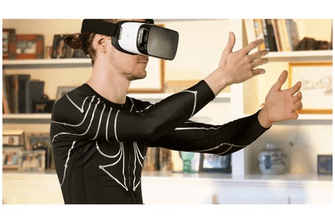 Convierte tu cuerpo en un mando de videojuegos con esta camiseta inteligente