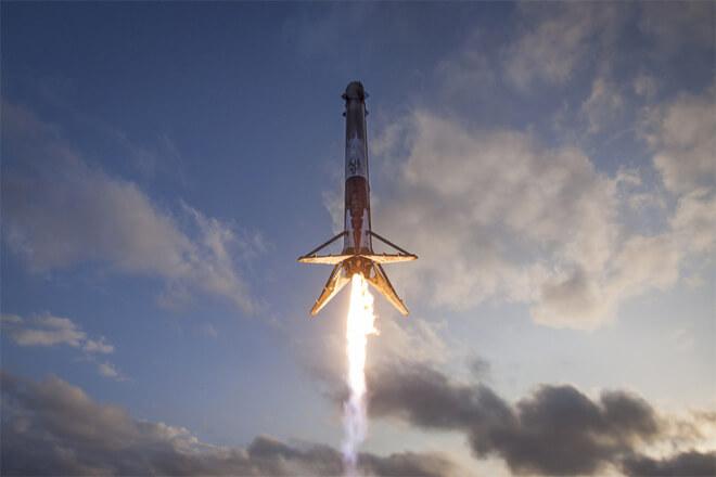 Cómo seguir el lanzamiento del Falcon Heavy en directo