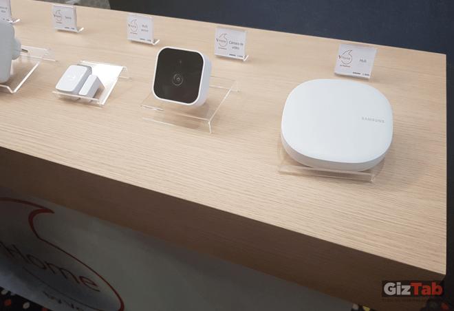 Parte de los dispositivos de la línea SmartThings de Samsung y Vodafone