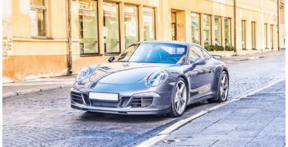 Dubai comenzará a probar matrículas digitales en sus coches