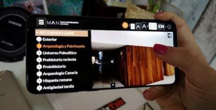 Galaxy s9 plus con app del museo arqueologico nacional de españa