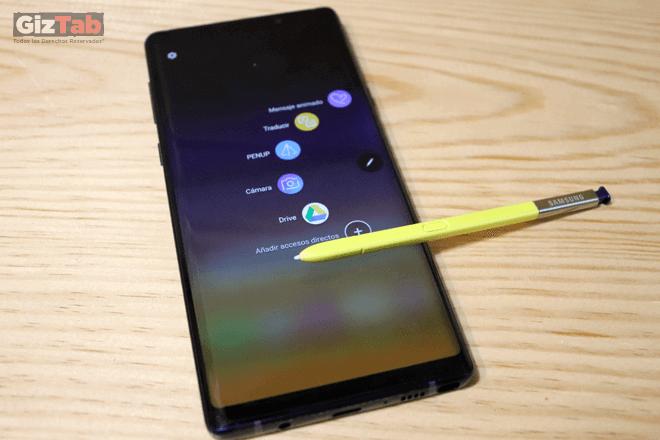 El S Pen del note9 permite con solo un clic, tomar selfies, agrupar imágenes, presentar diapositivas, pausar, reproducir música, y más.