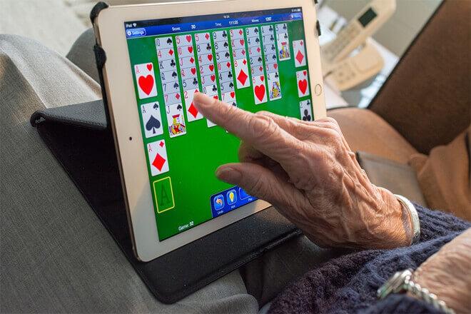 Los mayores quieren saber más de tecnología: Estudio