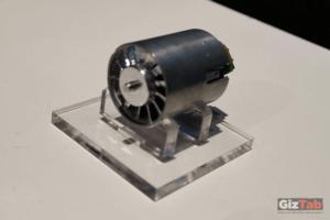 El termostato del Dyson Airwrap™ mide la temperatura del flujo de aire más de 40 veces por segundo
