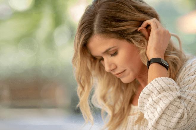 Garmin Vivosmart® 4 es una avanzada pulsera inteligente que, bajo un diseño liviano, discreto y elegante, es capaz de ofrecer hasta un monitor de energía que permite saber cuándo se está preparado para ponerse en marcha o, en cambio, cuando es mejor descansar