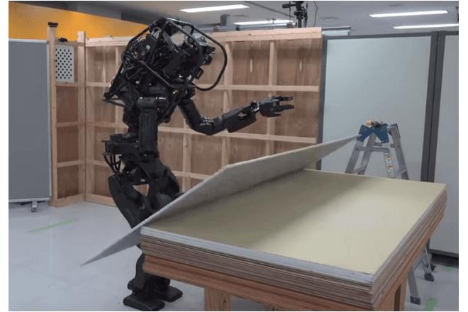 Conoce a HRP-5P, el robot constructor
