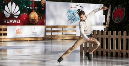 El bicampeón mundial de patinaje Javier Fernández y Huawei ha inaugurado una pista de patinaje sobre hielo solidaria para apoyar la lucha contra el cáncer infantil de CRIS.