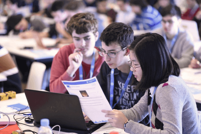 HP fomenta el interés por la ciencia y la tecnología a más de 10.000 estudiantes cada año en España
