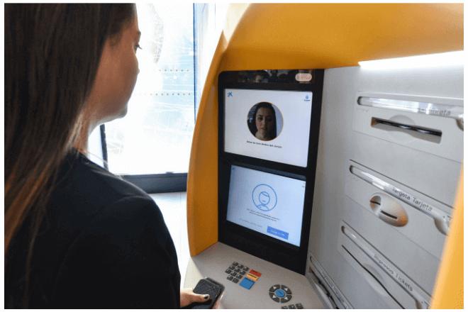 Cajeros automáticos de Caixabank entregarán dinero a través del reconocimiento facial