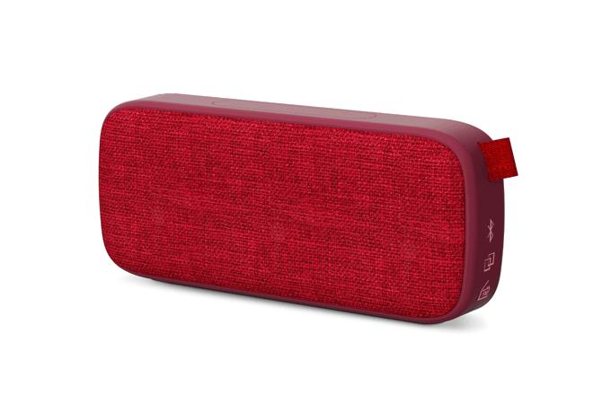 Utiliza su reproductor MP3 a través de USB o microSD, radio FM y Audio-in para escuchar tu música como mejor encaje con tu outfit