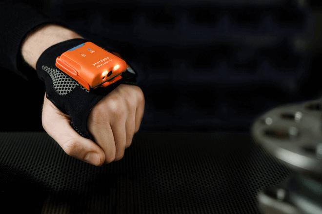 MARK 2, un guante inteligente que escanea y ayuda a las empresas a ahorrar