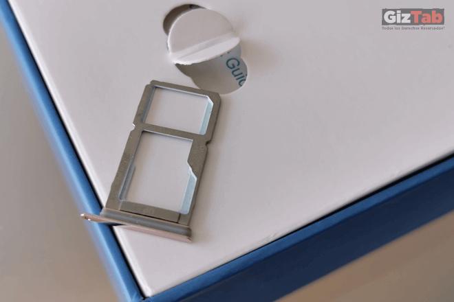 Hisense H12 Slot para SIM Card y memoria