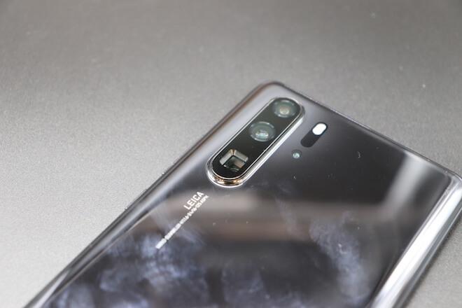 los colores del Huawei P30 Pro son bonitos, pero captan muchas huellas