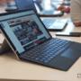 El teclado de la Microsoft Surface Pro 2017 está cubierto con tejido Alcántara